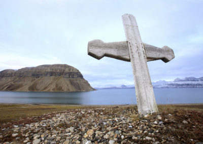 Whalers cross in Svalbard